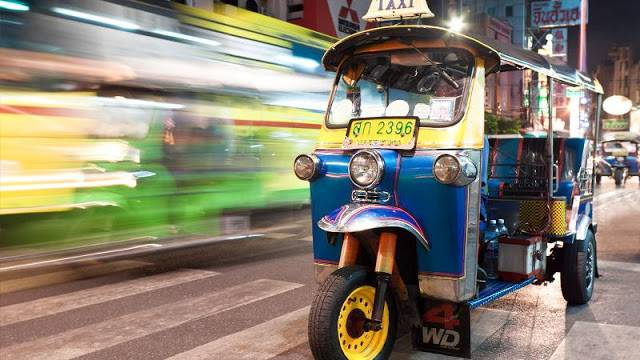 du-lich-thai-lan-tu-tuc-2017-tuk-tuk-bangkok