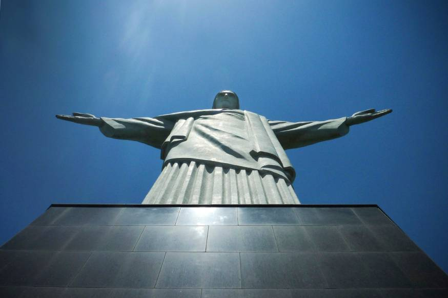 tuong-chua-kito-cuu-the-brazil-web-christ-the-redeemer-rio-main-rayandbee-cc