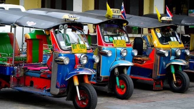 kinh-nghiem-du-lich-bangkok-pattaya-xe-tuk-tuk-tai-thai-lan